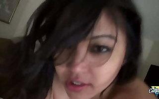 Mika Tan, asiatique pulpeuse et toujours plus freak de la sodomie profonde