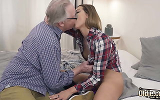 Ex-Girlfriend Rides With Her Vagina Coupled with Grandpa Fucks Her Frowardness