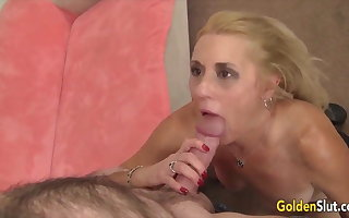 GoldenSlut - Granny Gives a Professional Blowjob Compilation