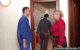 Bit interior venerable grandmother spreads legs for duo men