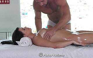 PornPros - Lovely Gracie Dai gets a rub down massage with friend of dick
